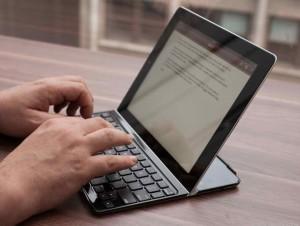 escribiendo con tablet